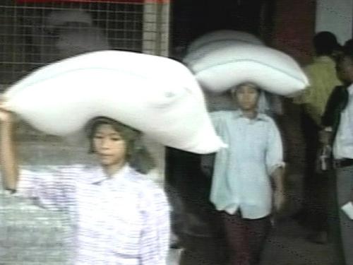 Burma - World Food Programme reaching Irrawaddy Delta