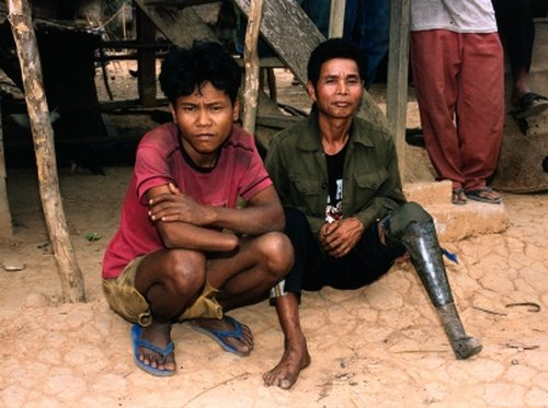 Laos - Thousands still at risk from cluster bombs