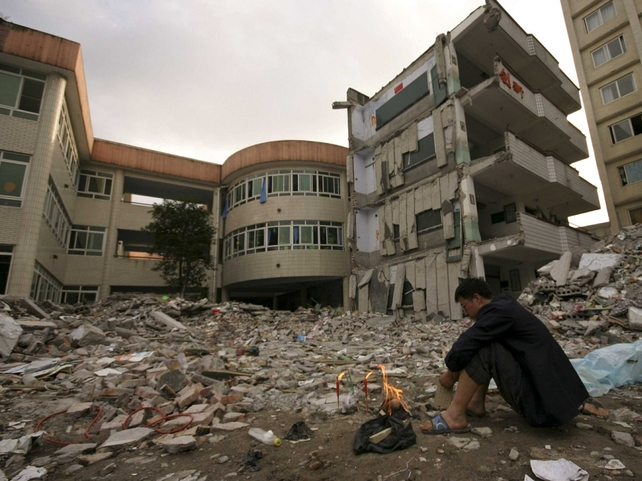China - Money funnelled to quake victims