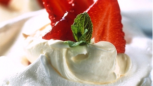 Meringues with Strawberries and Summer Fruits