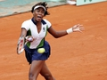 Venus eases past Santonja at Roland Garros.