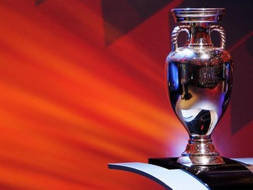 Italy will bid to host the 2016 European Championships