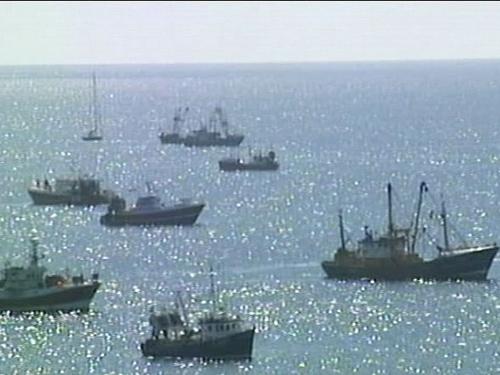 Cork - Fishermen blockaded Cork, Waterford ports