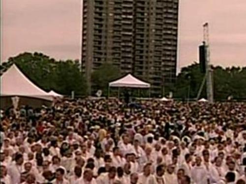 Quebec - Pilgrims attend Eucharistic Congress