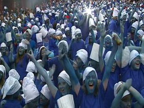 Castleblayney - 1,235 dressed as Smurfs