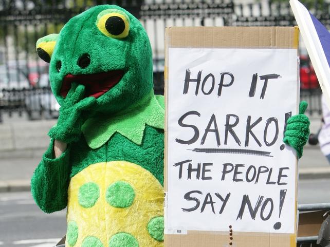Dublin - Protest over Lisbon comments