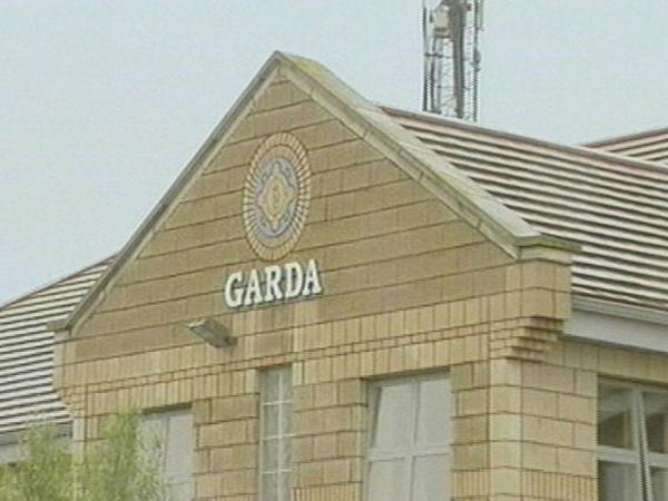 Ballyfermot Garda Station - Men held after gun seized