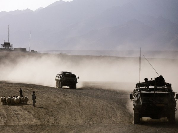 Afghanistan - Suicide attack on military convoy