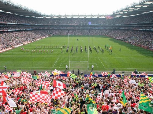 Croke Park will host the Munster v Leinster Heineken Cup semi-final in May