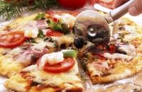 Pizza à la Eva - Dr Eva Orsmond serves up a pizza at just 450 calories.