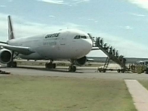 Australia - 30 hurt on aircraft
