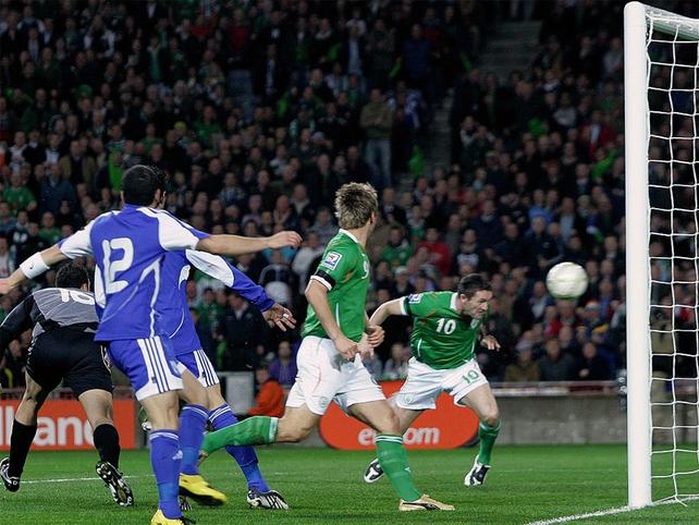 Robbie Keane scores the winner at Croke Park