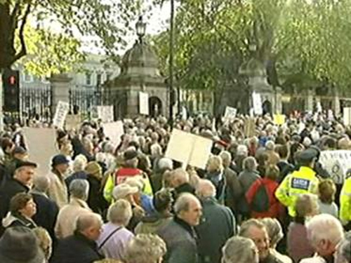 Leinster House - Pensioners protest