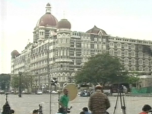 Taj Mahal Hotel - At least one attacker still free