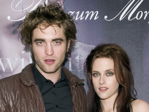 Twilight - Robert Pattinson (Edward) and Kristen Stewart (Bella)