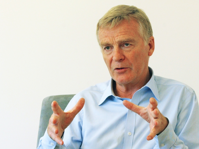 Max Mosley will step down from his role as FIA president