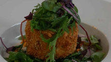 Crab Cakes With Spinach And Red Pepper Mayo