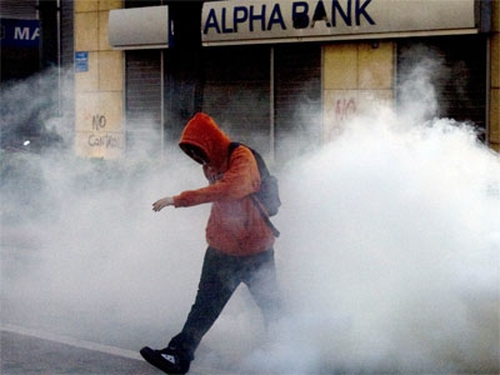 Greece - Further unrest on streets