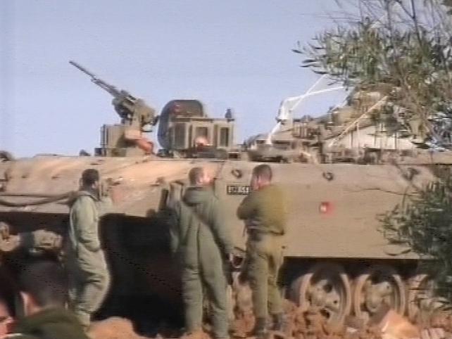 Gaza - Israeli forces gather on Gaza frontier