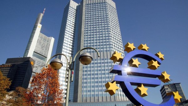 Euro zone - Commercial banks borrowed over €4 billion from ECB yesterday