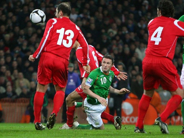 "Robbie Keane heads home the goal that gave Ireland all three points -  - CLICK HERE FOR INTERVIEWS -  - <a href=""javascript:showPlayer('/spo"