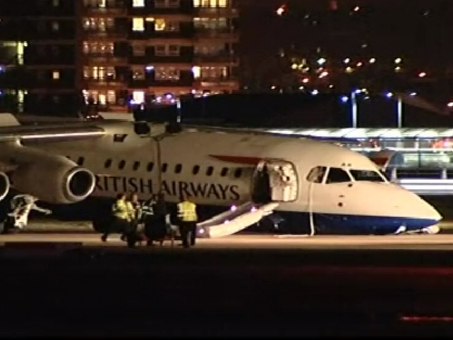 London City Airport - British Airways aircraft crash lands