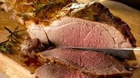 Butterflied leg of lamb with su