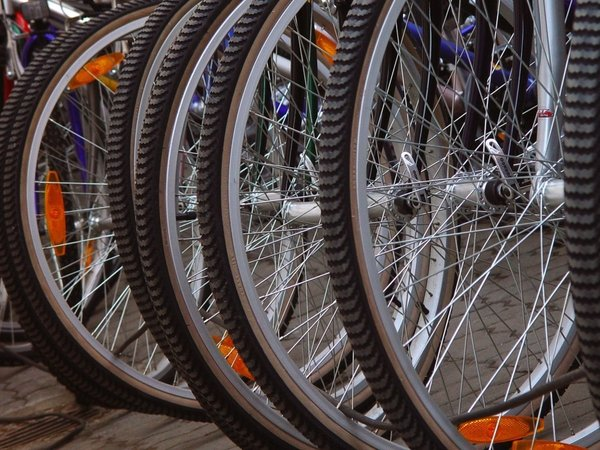 Bicycles - Improved cycle routes part of measures announced