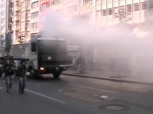 Istanbul - Police used water cannon on protestors