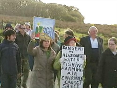 Glengad - Protest at Shell compound