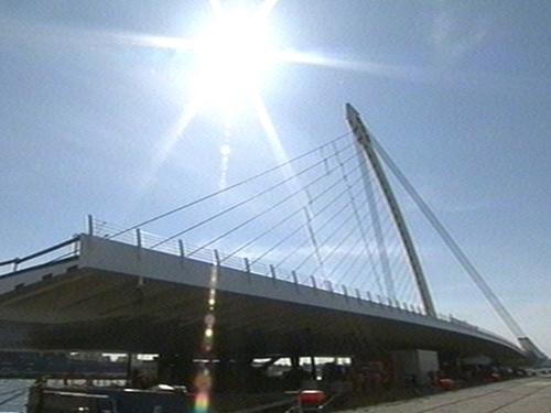 Beckett Bridge - Will link Guild Street and Sir John Rogerson's Quay