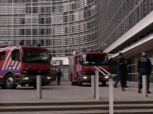 Brussels - EC headquarters evacuated due to fire