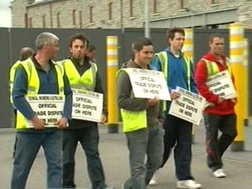 Electricians - Dispute centres on pay