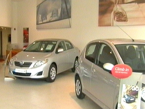 Car sales - Hopes for end to industry job losses