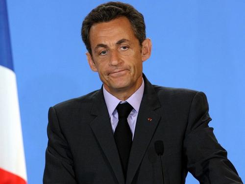 Nicolas Sarkozy - Fell ill out jogging
