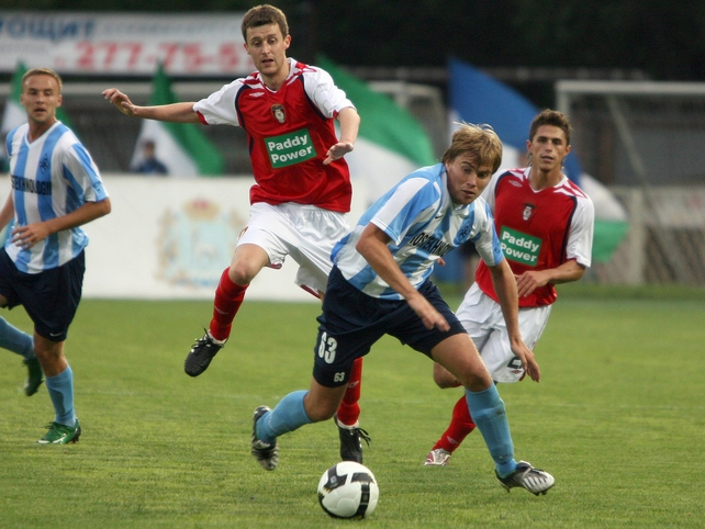 St Patrick's Athletic's Alan Cawley in the thick of the action in Samara