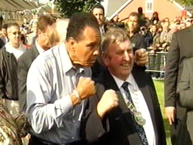 Muhammad Ali - Ali greets Mayor of Ennis Frankie Neylon