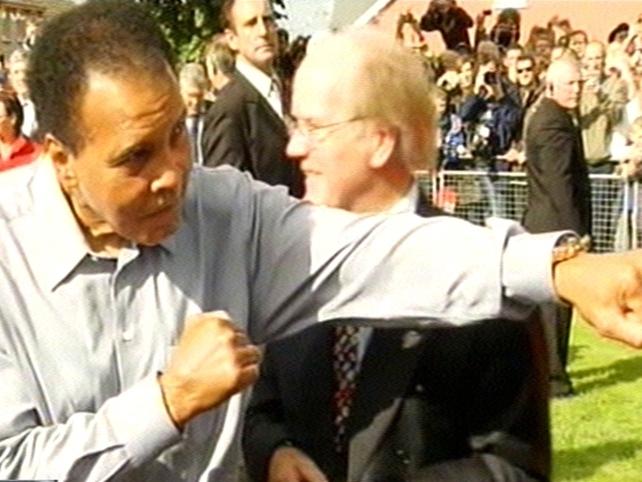 Muhammad Ali - Thousands greet former champion