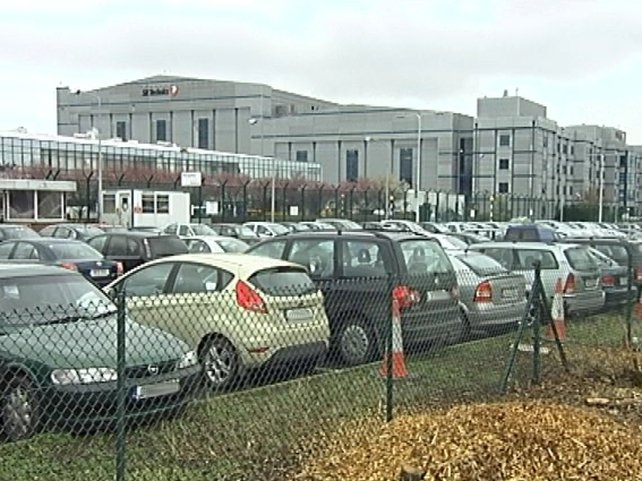 SR Technics - Ryanair says it wants to create 300 jobs at hangar six