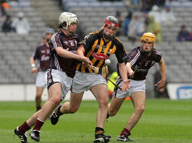 Kilkenny's Martin Gaffney has the Galway pair of Donie Fox (left) and Johnny Coen for company