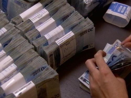 Lending - Down €84m in August