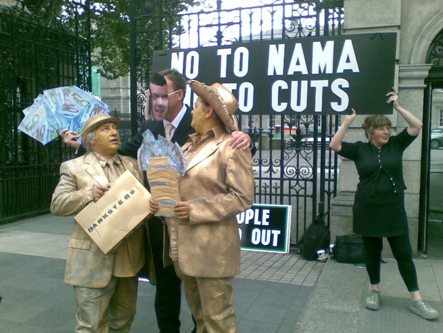 Dáil - Campaigners stage anti-NAMA protest
