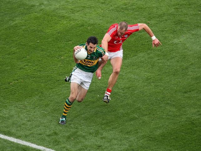 Kerry's Tom O'Sullivan races clear of O'Neill