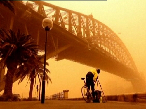 Australia - Health fears over dust storm