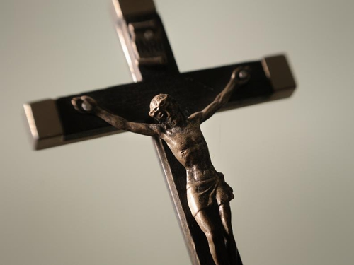 Crucifix - Ruling on crucifixes displayed in schools