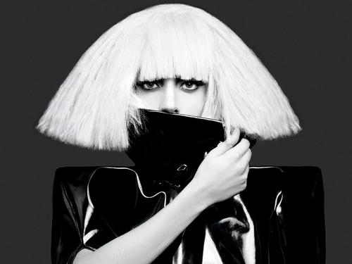 Lady GaGa - The Making of Paparazzi