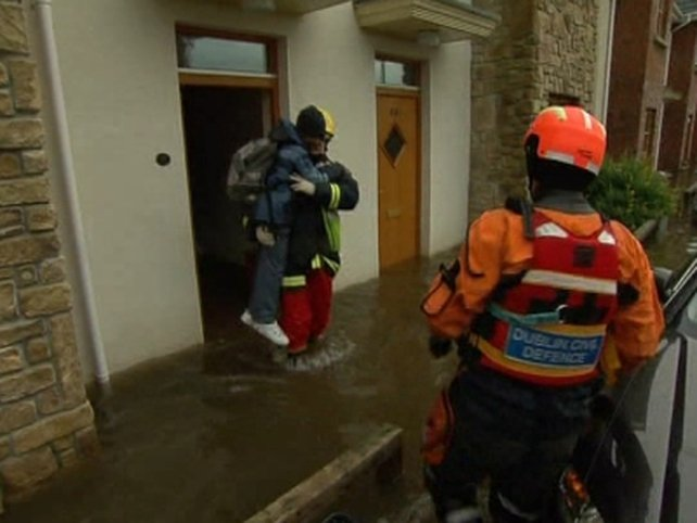 Kildare - Residents rescued from homes