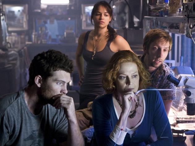 Aliens star Weaver returns to Cameron's world