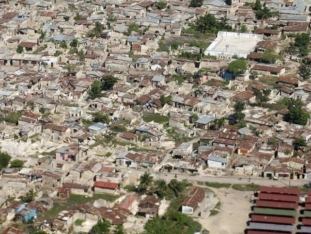 Port-au-Prince - Many buildings destroyed