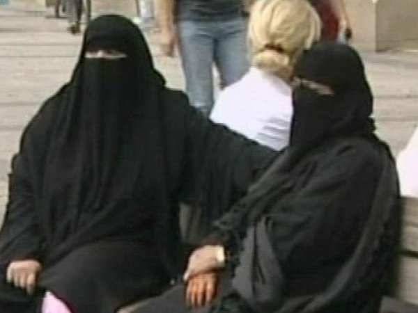 Burqas - Plan to ban the wearing of full veils in France